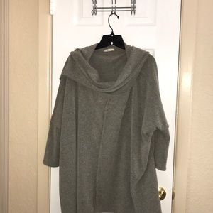 Easel gray tunic with cowl neck